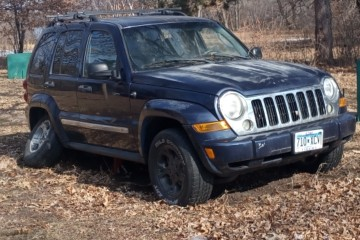 Junk Jeep Liberty 2005 Photography
