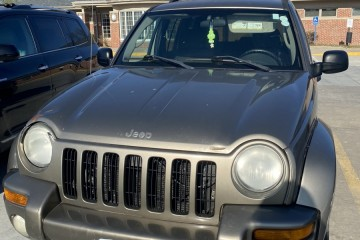 Jeep Liberty 2004 - Photo 1 of 2