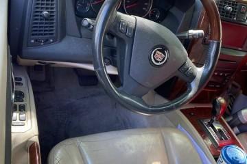 Cadillac SRX 2005 - Photo 2 of 2