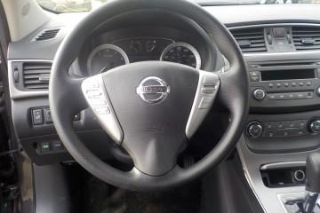 Nissan Sentra 2014 - Photo 12 of 17