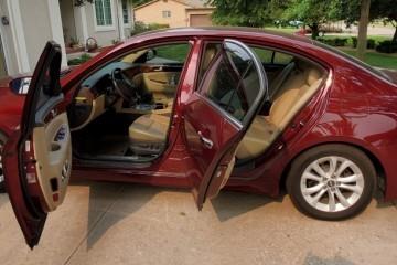 Hyundai Genesis 2012 - Photo 1 of 5