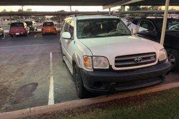 Toyota Sequoia 2003 - Photo 1 of 2