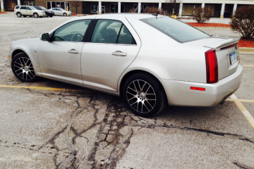 Cadillac STS 2006 - Photo 2 of 5